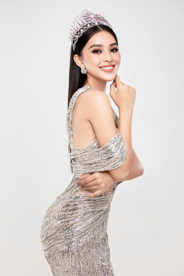 Hoa hậu Tiểu Vy tung ảnh mặc bikini táo bạo khoe body nóng bỏng