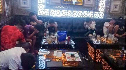 Kiểm tra quán karaoke phát hiện hơn 40 người dương tính với ma túy