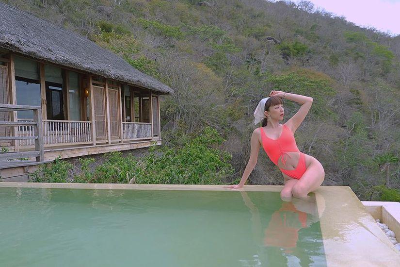 Tóc Tiên tung loạt ảnh diện bikini khoe body 'nóng bỏng mắt' sau tin đồn mang thai