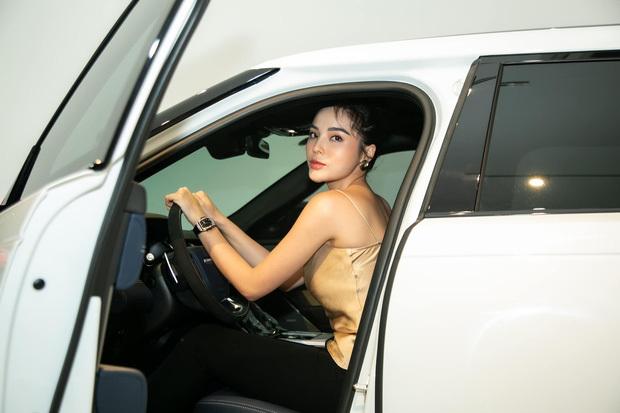 Hoa hậu Kỳ Duyên mạnh tay tậu xế hộp gần 6 tỉ ở tuổi 24