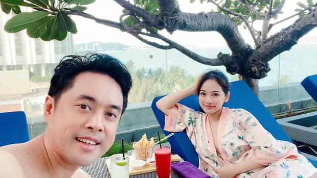 Dương Khắc Linh nghiện vợ đến mức tự đăng ảnh, tự khen xinh
