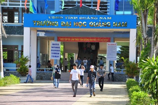 Tạo điều kiện cho gần 300 sinh viên Lào trở lại học tập tại Quảng Nam