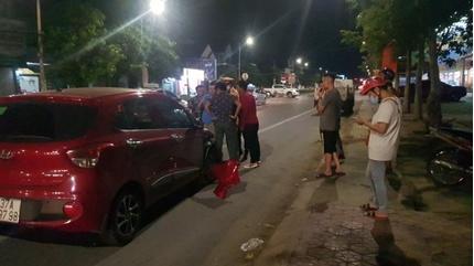 Tin tức tai nạn giao thông ngày 11/7: Chị lao công bị ô tô đâm văng xa khi đang dọn rác