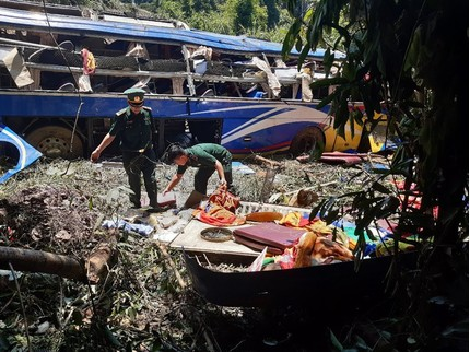 Xe khách lao xuống vực khiến 5 người tử vong vi phạm nghiêm trọng
