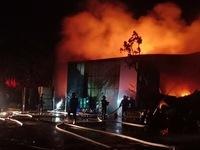 Công ty nệm mút rộng 3.000m2 tại Bình Dương chìm trong biển lửa