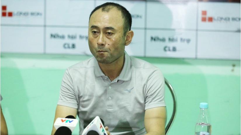 HLV Lee Tae Hoon ngợi khen Văn Toàn