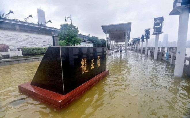 Tin tức thế giới 12/7, Trung Quốc nâng mức cảnh báo phòng lũ lụt lên nghiêm trọng