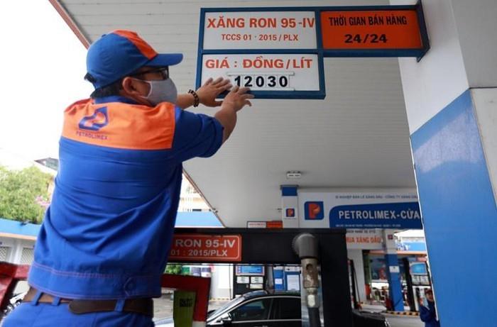 Có thể hôm nay giá xăng sẽ được điều chỉnh giảm nhẹ