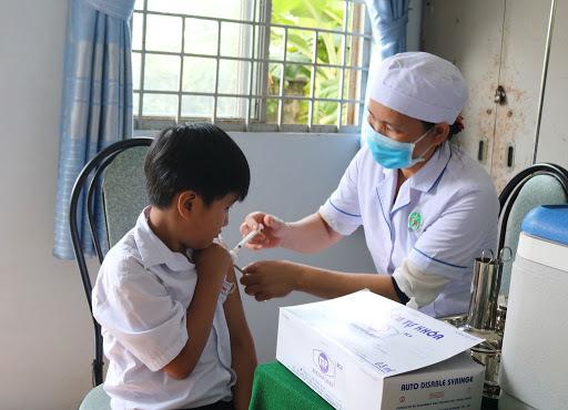 Dân phải viết bản cam kết từ chối tiêm nếu không chịu tiêm chủng