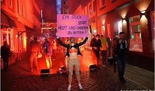 Bị cấm hoạt động vì Covid-19, gái mại dâm và chủ nhà chứa ở Đức biểu tình