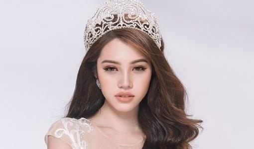 Hoa hậu người Việt tại Úc Jolie Nguyễn nhờ luật sư can thiệp
