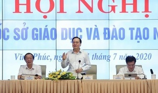 Bộ trưởng Bộ GD&ĐT: Tránh lạm dụng giấy khen dẫn đến 'tác dụng ngược'