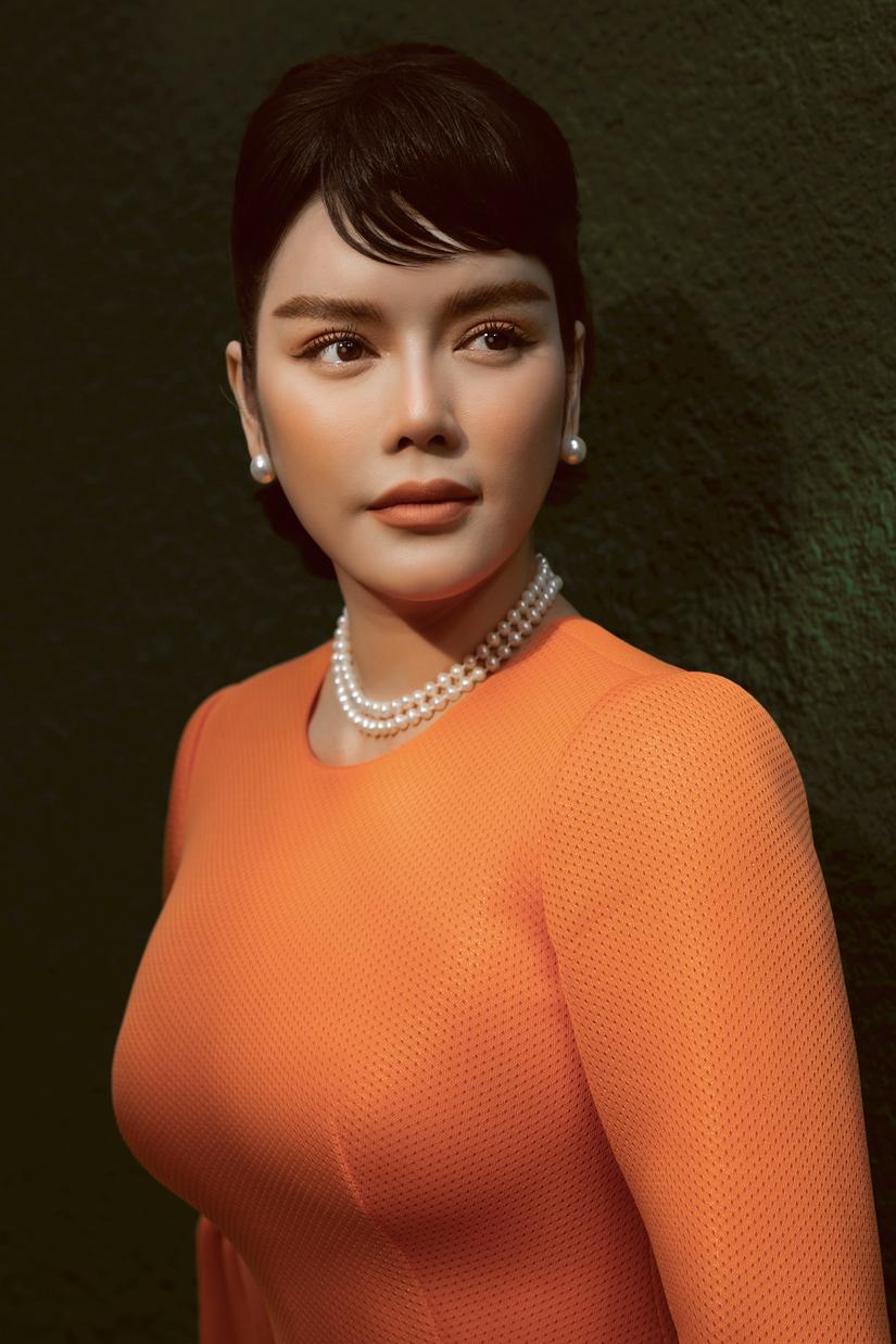 Lý Nhã Kỳ đẹp kiêu sa, diễm lệ trong hình tượng Audrey Hepburn