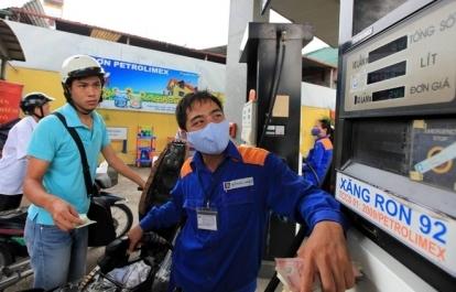 Giá xăng dầu hôm nay 15/7: Dầu thô giảm mạnh trước những căng thẳng địa chính trị