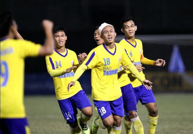 FIFA ra án phạt nặng 11 cầu thủ bóng đá Việt Nam