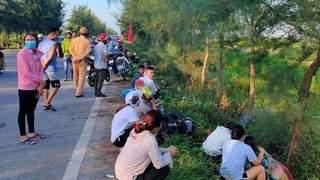 Phát hiện nam thanh niên tử vong cạnh xe máy bên vệ đường