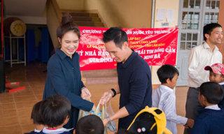 Lý Hải - Minh Hà trực tiếp lên vùng cao lắp đặt máy lọc nước cho học sinh dân tộc