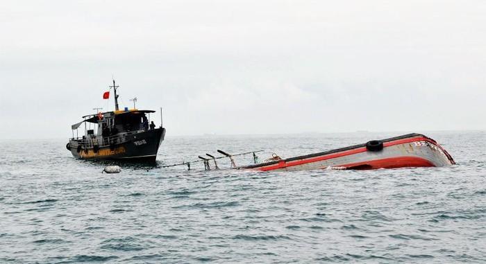 Tin tức trong ngày 17/7, xác định được tàu hàng đâm chìm tàu cá ngư dân rồi bỏ chạy
