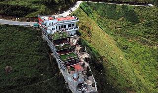 Bắt đầu phá dỡ công trình Panorama trên đèo Mã Pí Lèng