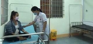 Sản phụ 19 tuổi sinh con trong thời gian đang điều trị bạch hầu