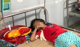 Người bán hàng vô ý khiến bé gái 11 tuổi nguy kịch do uống nhầm axit