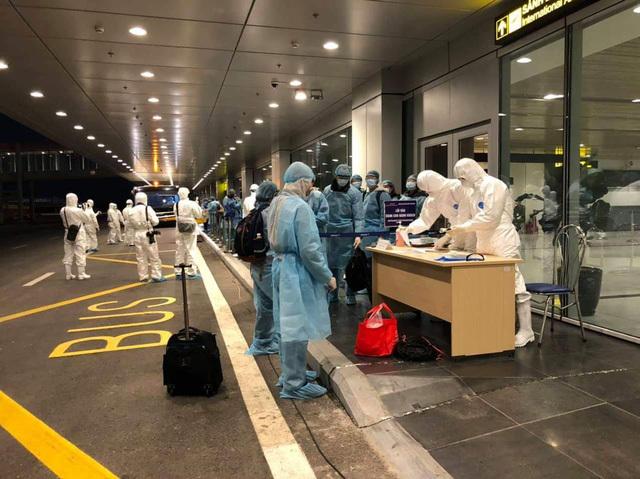 Nóng: Việt Nam ghi nhận 12 ca nhiễm Covid-19 mới