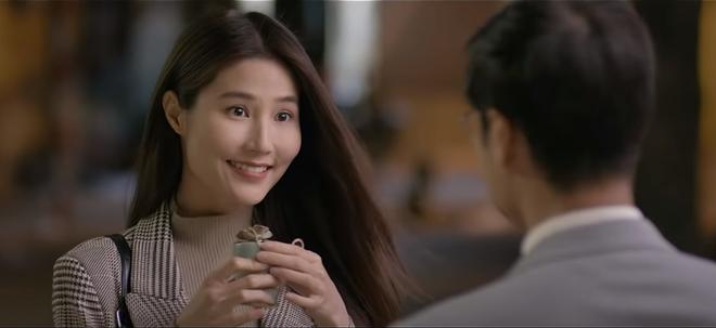 'Tình yêu và tham vọng' tập 36: Tuệ Lâm sửng sốt khi bắt gặp Minh ôm Linh
