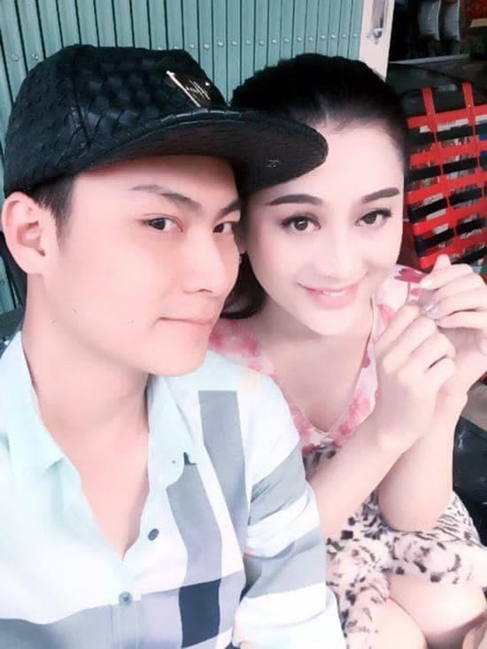 Kỷ niệm 4 năm yêu, Lâm Khánh Chi nghẹn ngào tiết lộ điều đặc biệt nhất chồng làm cho mình