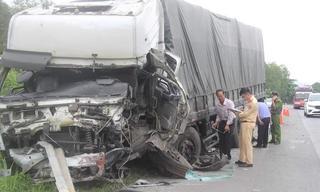 Vụ tai nạn làm 8 người chết: 'Tôi đánh hết lái nhưng không tránh kịp'