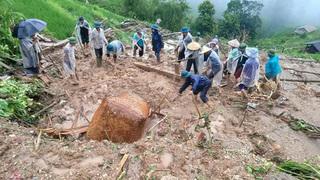 Vụ 2 mẹ con bị đất đá vùi lấp ở Hà Giang: Đang lấy đồ để sơ tán thì gặp nạn