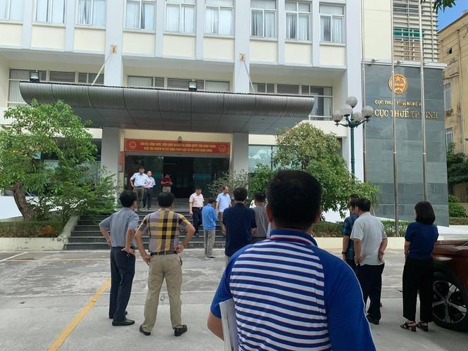 Cháy Chi cục thuế TP Vinh, cả trăm người hoảng loạn