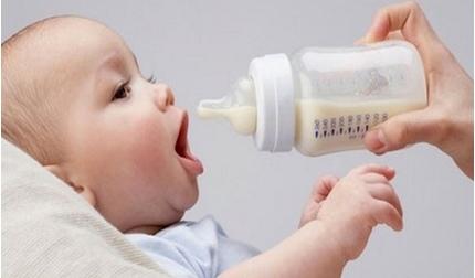 Trẻ được nuôi bằng sữa công thức có nguy cơ cao mắc bệnh béo phì