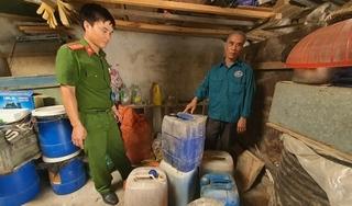 Phát hiện cơ sở sản xuất nước rửa chén giả số lượng lớn