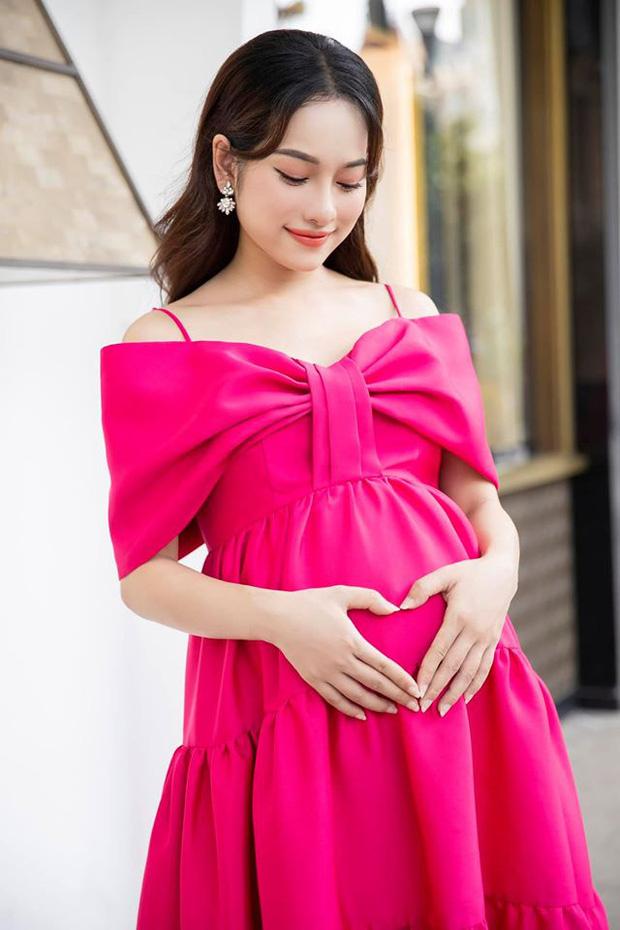 Bà xã Dương Khắc Linh hào hứng khoe ảnh siêu âm 2 nhóc tỳ, 'đẹp trai, mũi cao' từ nhỏ
