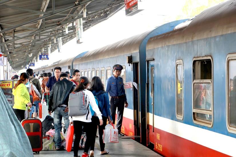 Đường sắt giảm giá vé tàu cho học sinh dự thi năm 2020