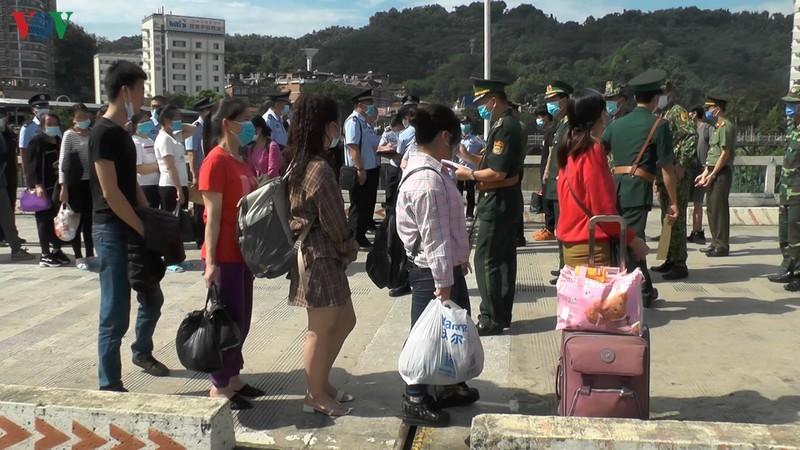Lào Cai trao trả 4 đối tượng Trung Quốc nhập cảnh trái phép vào Việt Nam