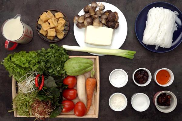 Thử làm món canh bún bạch tuộc giai giòn sần sật