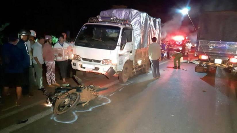 Hiện trường vụ tai nạn khiến 2 người tử vong tại chỗ - Ảnh: TTXVN