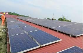 Trả gần 2 tỉ đồng cho khách hàng bán điện mặt trời lắp trên mái nhà