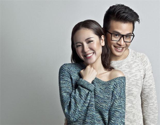 Phương Linh khoe ảnh tình tứ bên người đàn ông giấu mặt, fan lập tức réo tên Hà Anh Tuấn