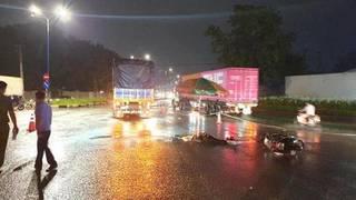 Tin tức tai nạn giao thông ngày 24/7: Va chạm với xe tải, học sinh 14 tuổi tử vong tại chỗ