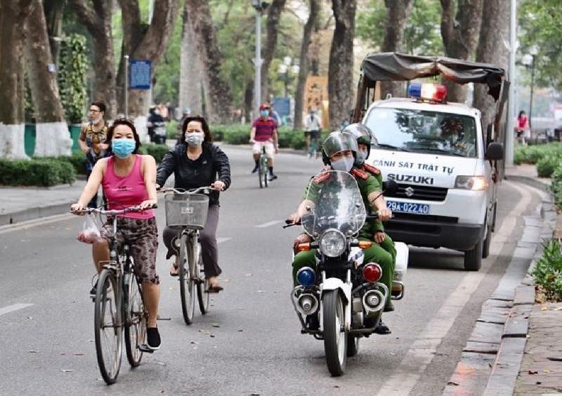 Hà Nội yêu cầu người dân đeo khẩu trang ở những nơi công cộng