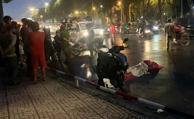 Người đàn ông đột ngột ngã vật xuống đường, tử vong