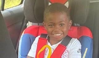 Bé trai 3 tuổi tự nổ súng bắn vào đầu tử vong