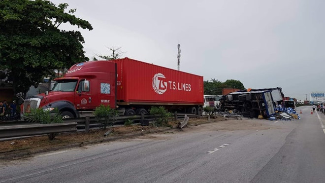 Hiện trường vụ tai nạn 5 người chết
