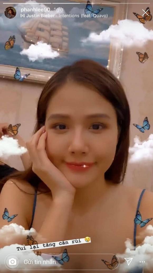 Sau 1 tháng kết hôn, Phanh Lee than thở: 'Tui lại tăng cân rồi'