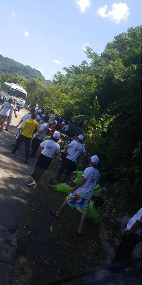 Số nạn nhân tử vong vụ lật xe ở Quảng Bình tăng lên 13 người
