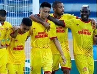 'DNH Nam Định thiệt hại nặng khi V.League phải tạm hoãn'