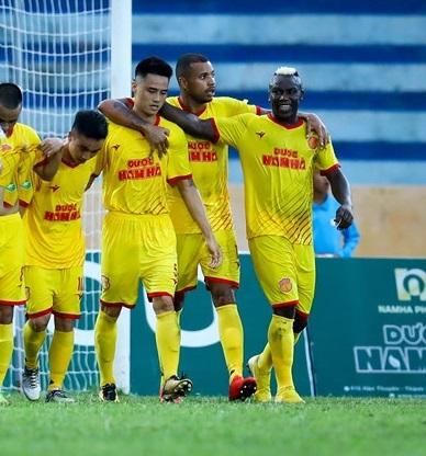'DNH Nam Định mất không ít tiền khi V.League tiếp tục tạm hoãn'