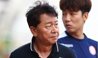 HLV Chung Hae-seong ẩn ý về việc bị học trò 'đá bay ghế'?